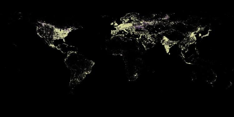 Nocne zdjęcie satelitarne świata_2010